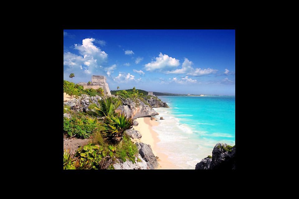 La sua particolare posizione a picco, ha fatto sì che fosse uno dei primi siti Maya avvistati dagli spagnoli.