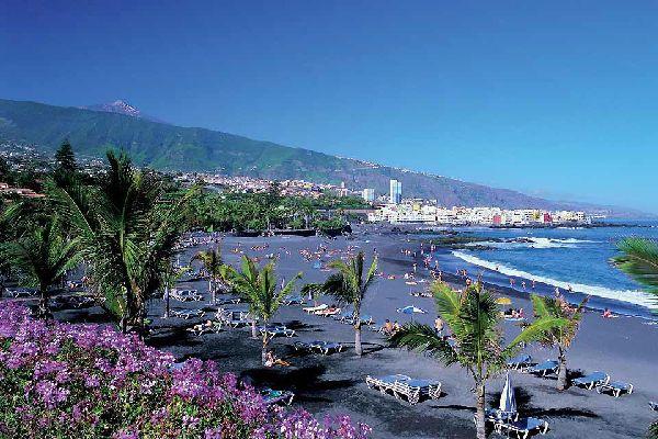 La Playa Jardin, circondata da magnifici giardini tropicali, rimane senza dubbio la più interessante e la meglio organizzata.