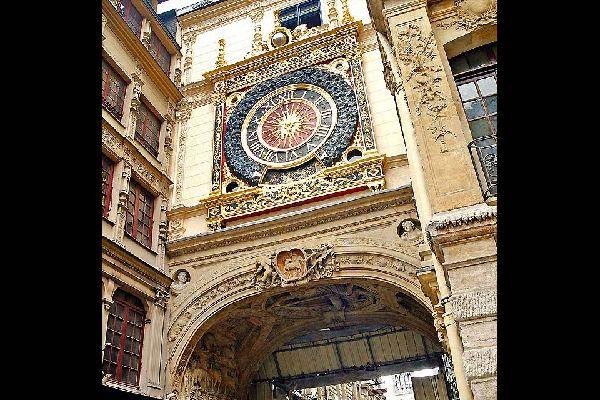 Le mouvement du Gros Horloge a été créé en 1389, ce qui en fait un des plus vieux mécanismes de France.