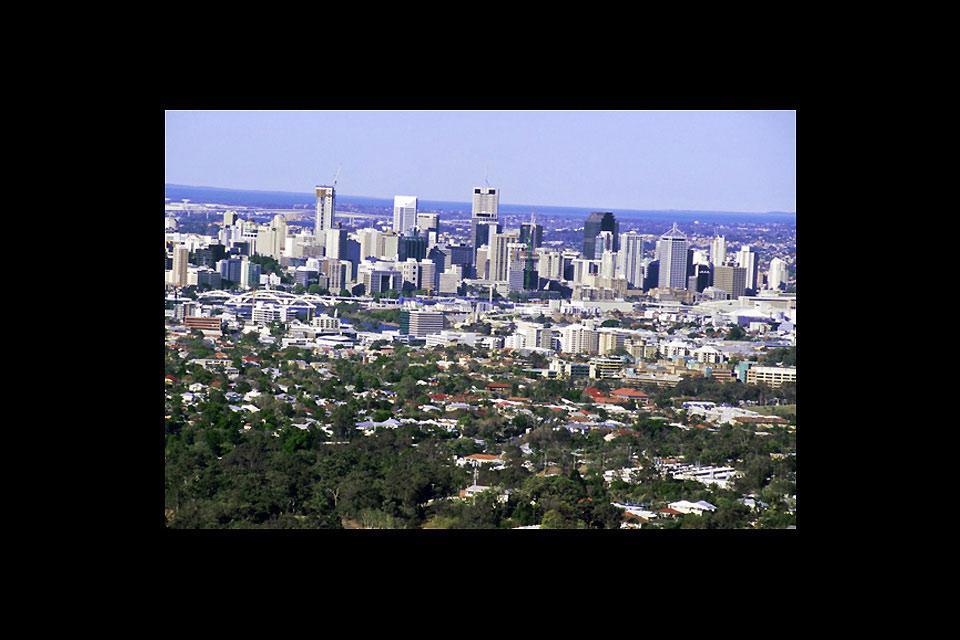 La città è stata utilizzata come quartier generale da MacArthur durante la Seconda Guerra Mondiale.