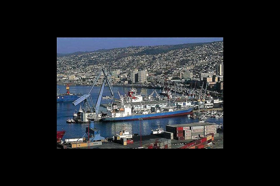 Valparaiso è il principale porto del Cile sull'Oceano Pacifico.