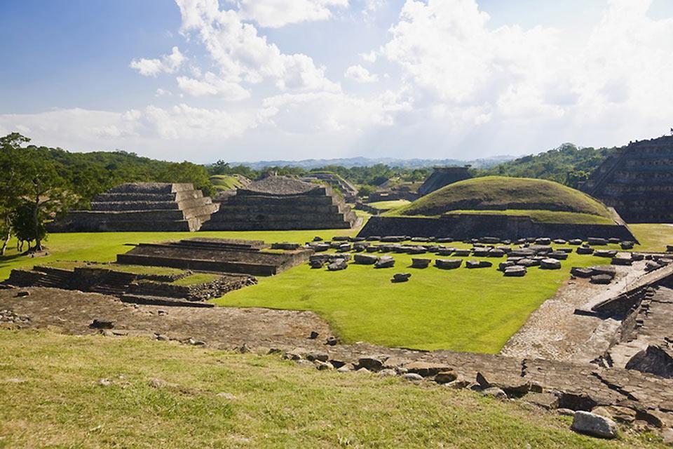 La zona odierna di Veracruz, tra il 100 e il 1000 fu luogo dello sviluppo della cultura classica di Veracruz. Questa cultura non è l'antenata diretta della cultura Maya.