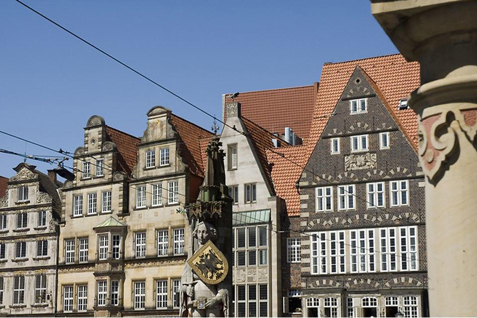 Facing typical Hanseatic houses, the Roland statue watches over both the citizens and the festivals here as well as the Christmas Market and the open market.