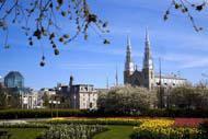 Cette cathédrale, qui date de 1858 est la plus ancienne église de la ville.