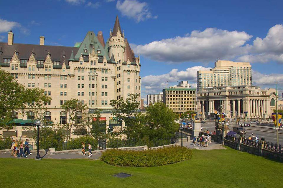 Ottawa, the capital of Canada, isn't often on the tourist track and it is true that there isn't much draw to the city unless visiting for business.