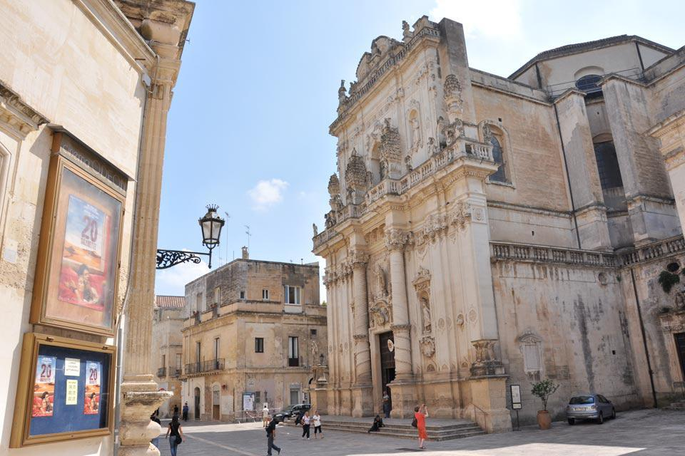 The Cathedral of Lecce is located on the square of the same name. Nearby, the baroque-style Bishop's Palace and Seminary