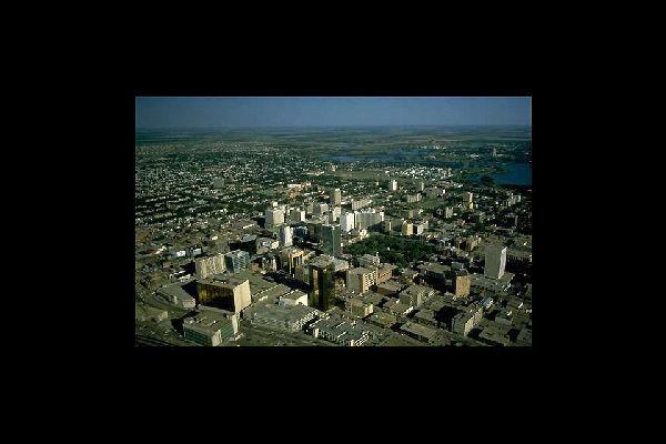 La capitale du Saskatchewan est une petite ville dynamique qui rappelle certaines villes anglaises.