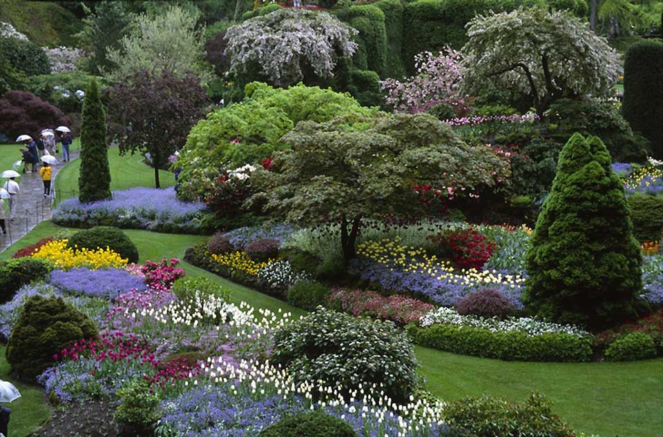 Renowned internationally for its floral displays, the gardens are a National Historic Site of Canada