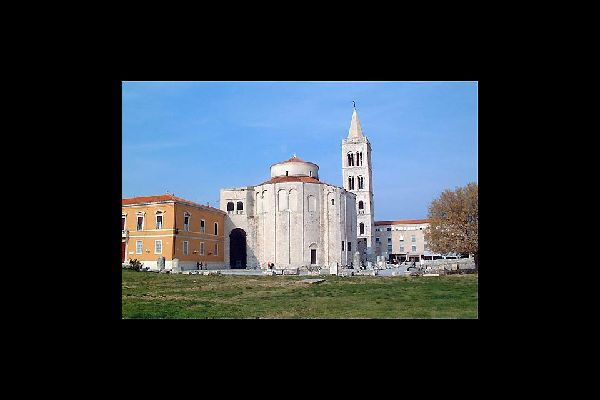 In the old town of Zadar, you'll find historic buildings with their beautiful architecture, such as the 9th century Church of St. Donatus