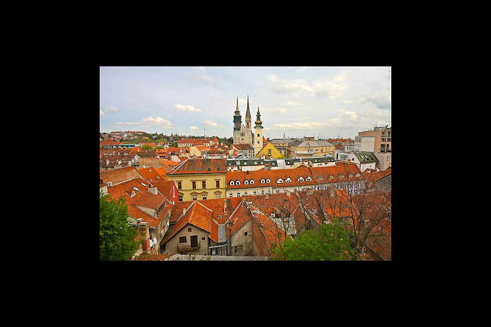 On aperçoit la cathédrale depuis tous les points de la ville.