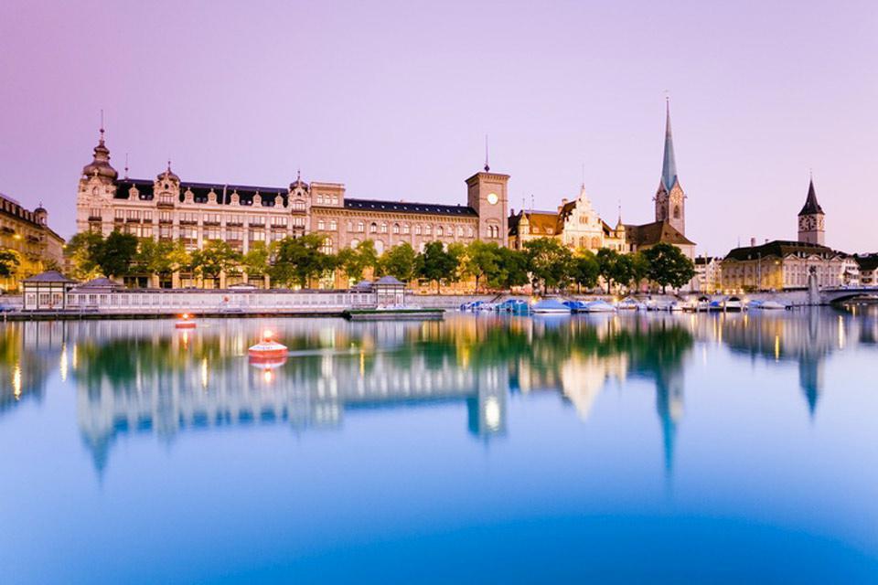 De los tres ríos que atraviesan Zúrich, el Limago es el más importante.