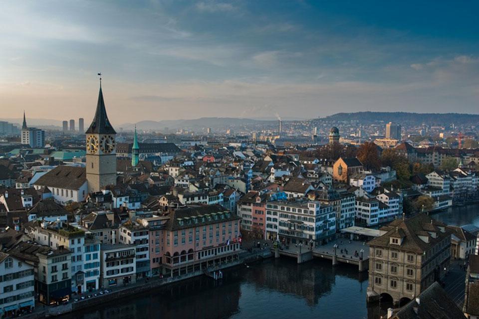 Zúrich tiene una gran atracción turística y es la ciudad suiza más visitada por los españoles.