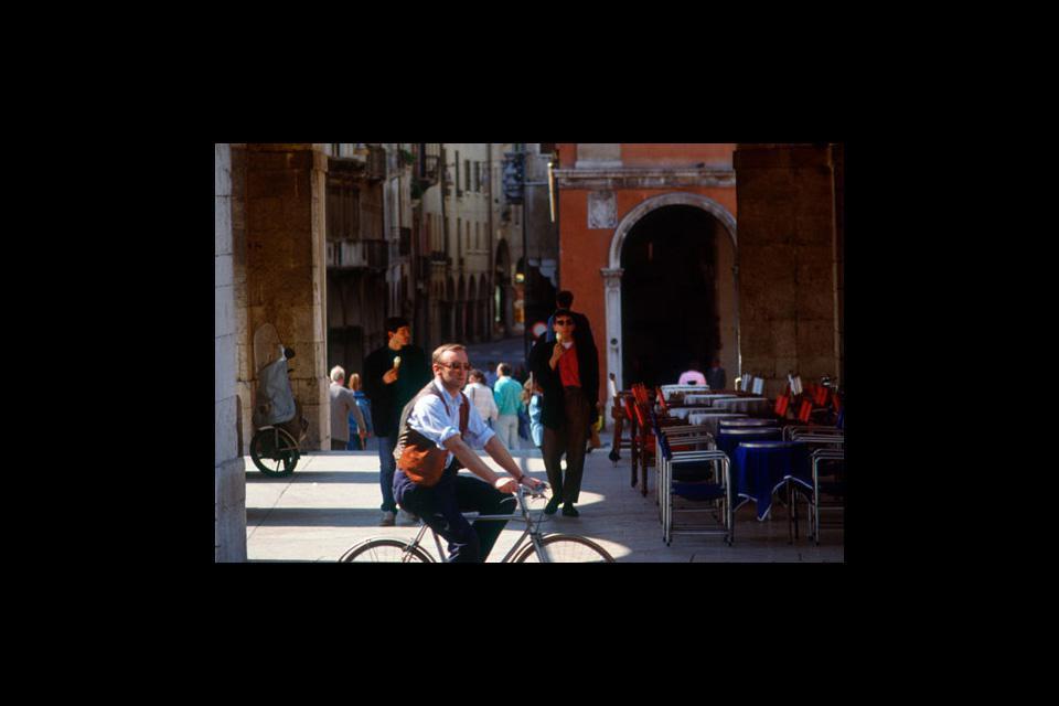 Bei einem Spaziergang durch das Zentrum von Treviso wird man nicht nur von der architektonischen Schönheit der Stadt, sondern auch der hier herrschenden Ruhe angenehm überrascht.