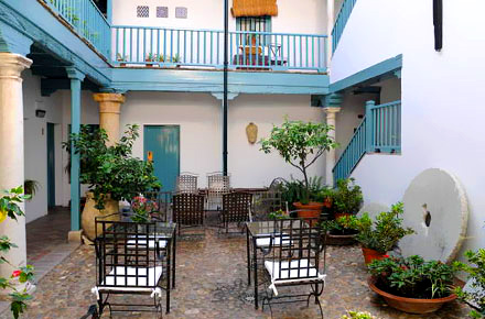 Una casa andaluza en sevilla diez hoteles t picos donde - Casas tipicas andaluzas ...