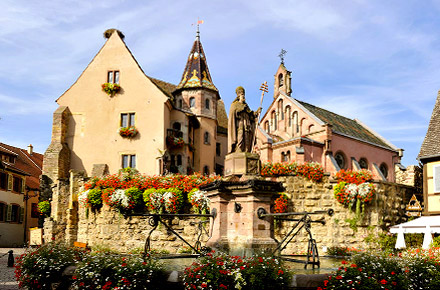 alsace eguisheim le top 10 des plus beaux villages de france. Black Bedroom Furniture Sets. Home Design Ideas