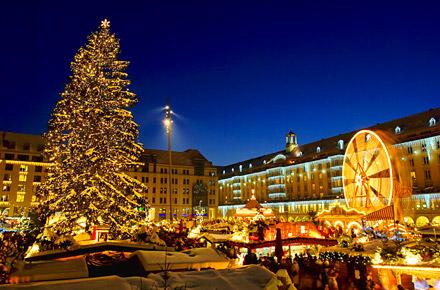 Christstollen backen auf dem Dresdner Striezelmarkt