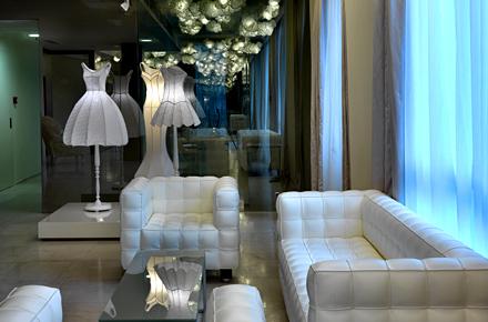 Catwalk to pillowtalk top 10 fashion hotels for Maison moschino milan