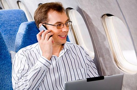 Sì o no: il cellulare acceso può interferire con la strumentazione di bordo