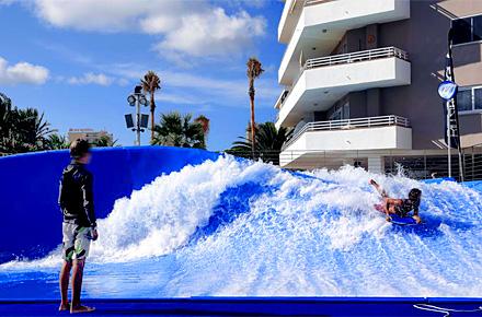 Piscines vague majorque des piscines pas comme les for Piscine les vagues meyzieu
