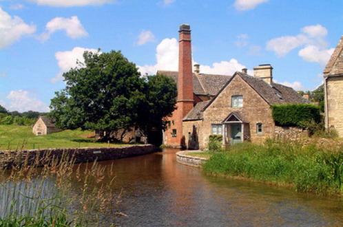 A quaint Cotswold's cottage