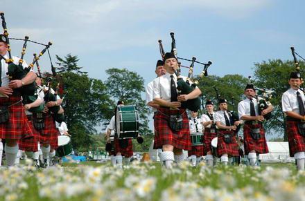 Edinburgh: bag yourself a pipe!