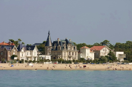 Du Centre Ville Bordeaux Au Bord De Mer