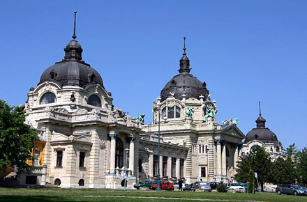 Budapest - Ein Thermalbad als Nachtclub