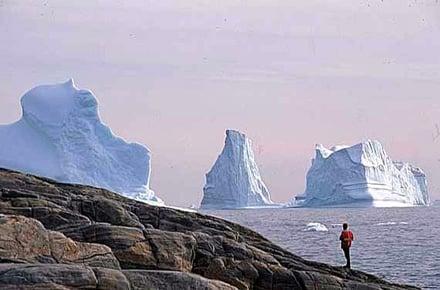 Nell'acqua ghiacciata in Scandinavia e in Canada