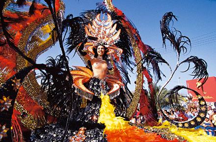 Teneriffa feiert die Karnevalskönigin