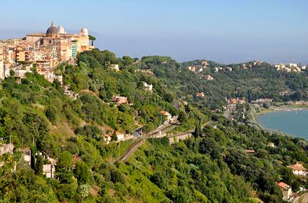 Lazio: castello e lago, un evergreen