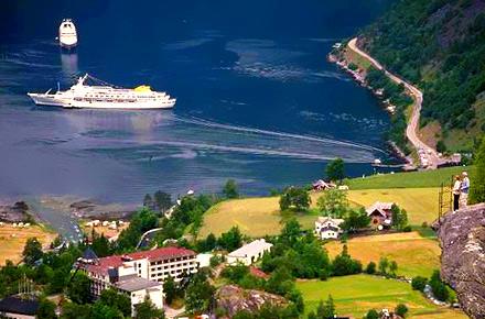 Majestic Fjordland cruise, 7 nights, Maritime Voyages